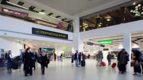 How to transfer from Gatwick Airport to London