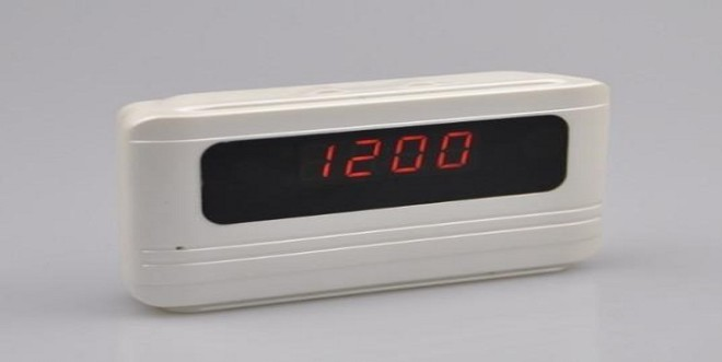 Ceasul cu camera, util sau un simplu moft?