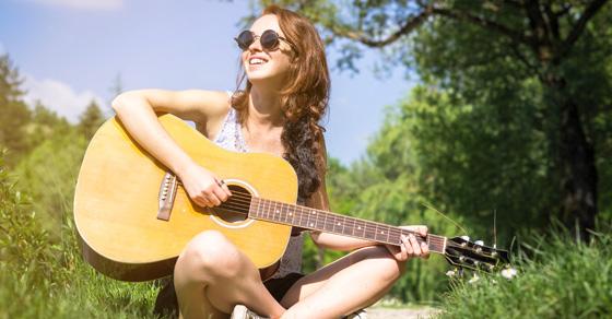 Ce trebuie sa stiti cand va cumparati prima chitara?