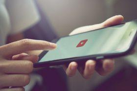 Ce poti face cand bateria unui dispozitiv Apple nu mai functioneaza